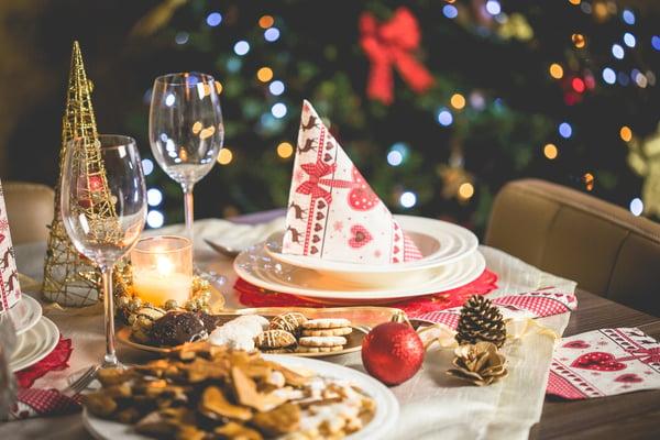 christmas set table