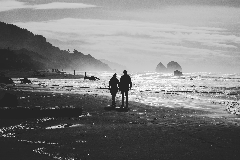 Couple-Walking-Beach.jpeg